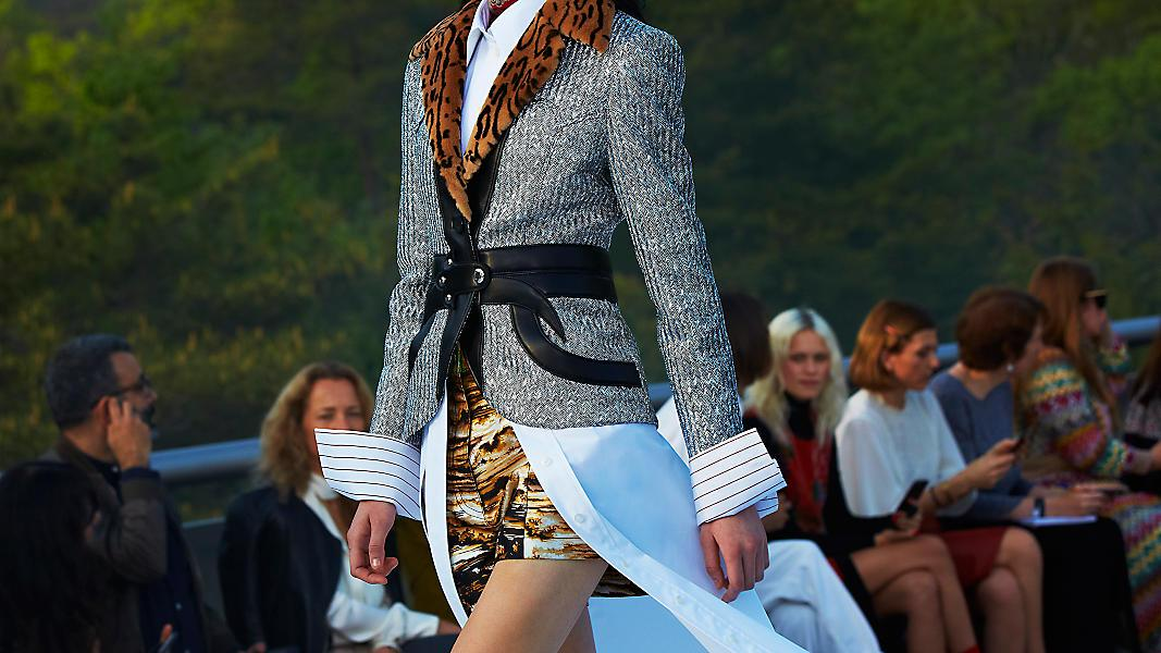 louis-vuitton--870_LVNow_Cruise2018_Keylooks_15_DI3